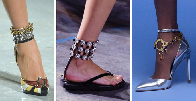 Ankle Bling is a trend for year 2017 - anklets are in fashion