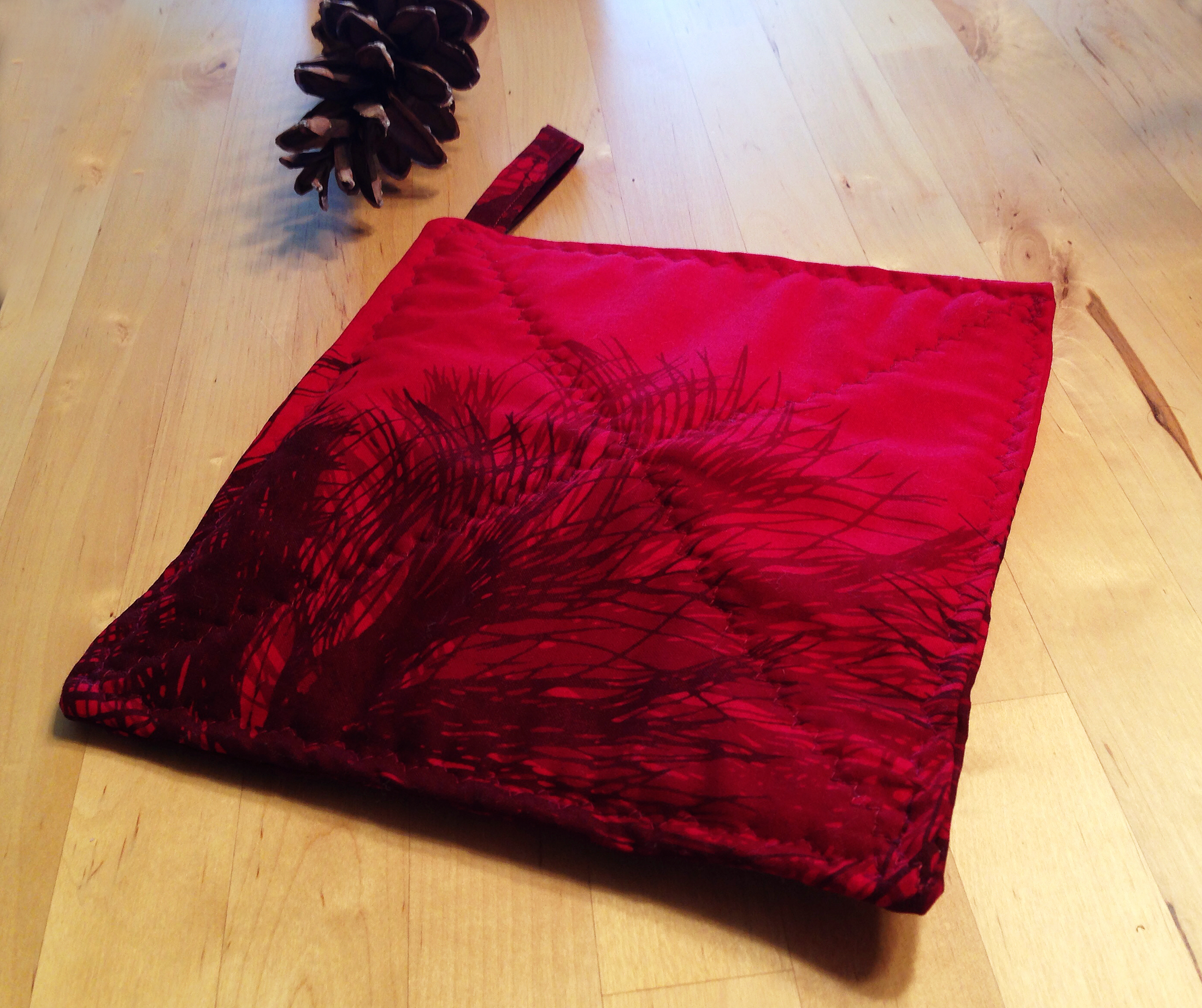 marimekko pot holder manty red pine fabric