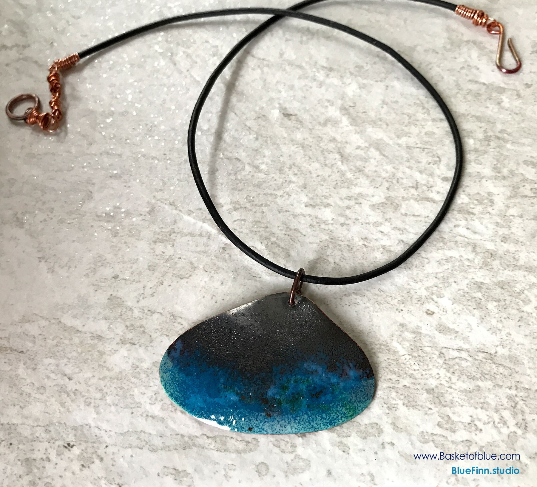 Rustic copper shell necklace