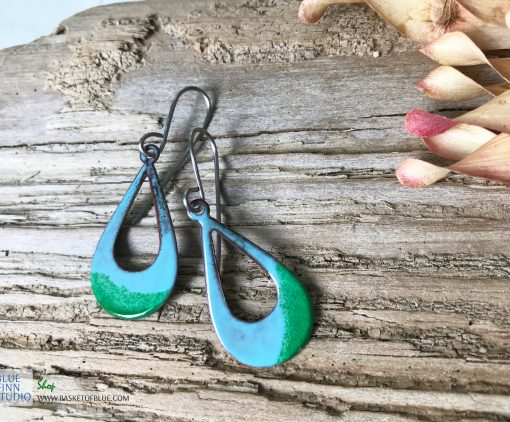 Enamel green open hoop oval earrings