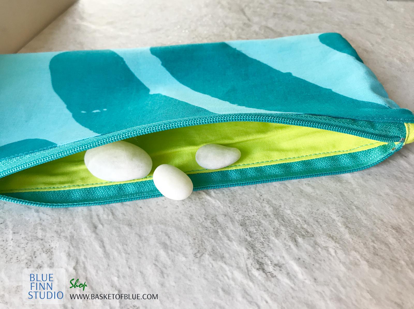Blue Marimekko Silkkikuikka zip pouch